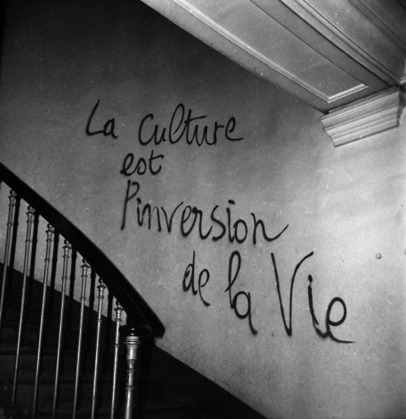 """""""A cultura é a perversão da vida"""""""